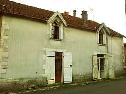 A rural proeprty in Poitou Charentes what will need work but has the basics
